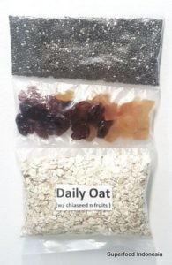 """""""Daily"""" Oat ( overnight ) w/ fruits and chiaseed"""